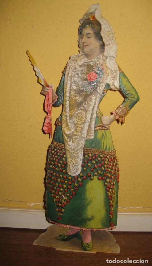 Coleccionismo de carteles: cartel troquelado display de mostrador para publicidad mujer vestido mantilla abanico en carton - Foto 2 - 181196726