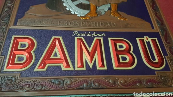 Coleccionismo de carteles: Antiguo magnifico cartel carton troquelado papel de fumar Bambu epoca republica - Foto 3 - 186261222