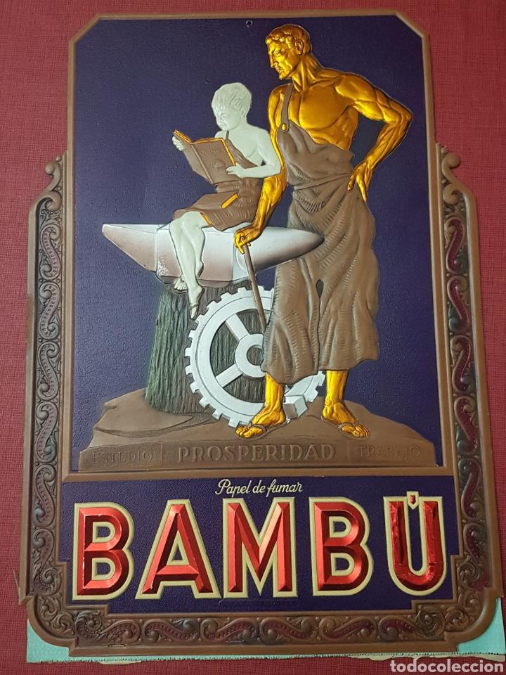 ANTIGUO MAGNIFICO CARTEL CARTON TROQUELADO PAPEL DE FUMAR BAMBU EPOCA REPUBLICA (Coleccionismo - Carteles Pequeño Formato)