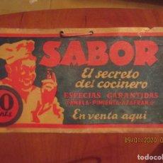 Coleccionismo de carteles: CARTEL - CARTÓN PUBLICIDAD -SABOR, EL SECRETO DEL COCINERO, DE VENTA AQUÍ -14,5 X 27 CM. Lote 190304001