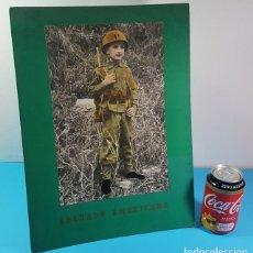 Coleccionismo de carteles: DISPLAY EXPOSITOR DE MESA DE CARTON 40 X 30 CM SOLDADO AMERICANO FOTO DE UN NIÑO UNIFORME USA . Lote 194523957