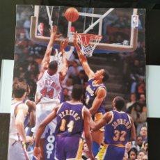 Coleccionismo de carteles: PÓSTER PROMOCIONAL SNACKS PATATAS RUFFLES MATUTANO NBA. Lote 198535997