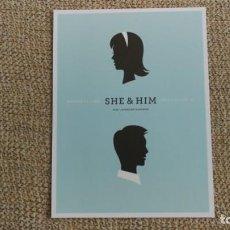 Coleccionismo de carteles: SHE & HIM / CONCERT MINI POSTER 19X14 CM APROX. Lote 204500341