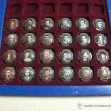 Coleccionismo de cava: 24 CHAPAS DE CAVA COLECCIÓN JUGADORES DE LEYENDA DEL FÚTBOL CLUB BARCELONA. Lote 39739042