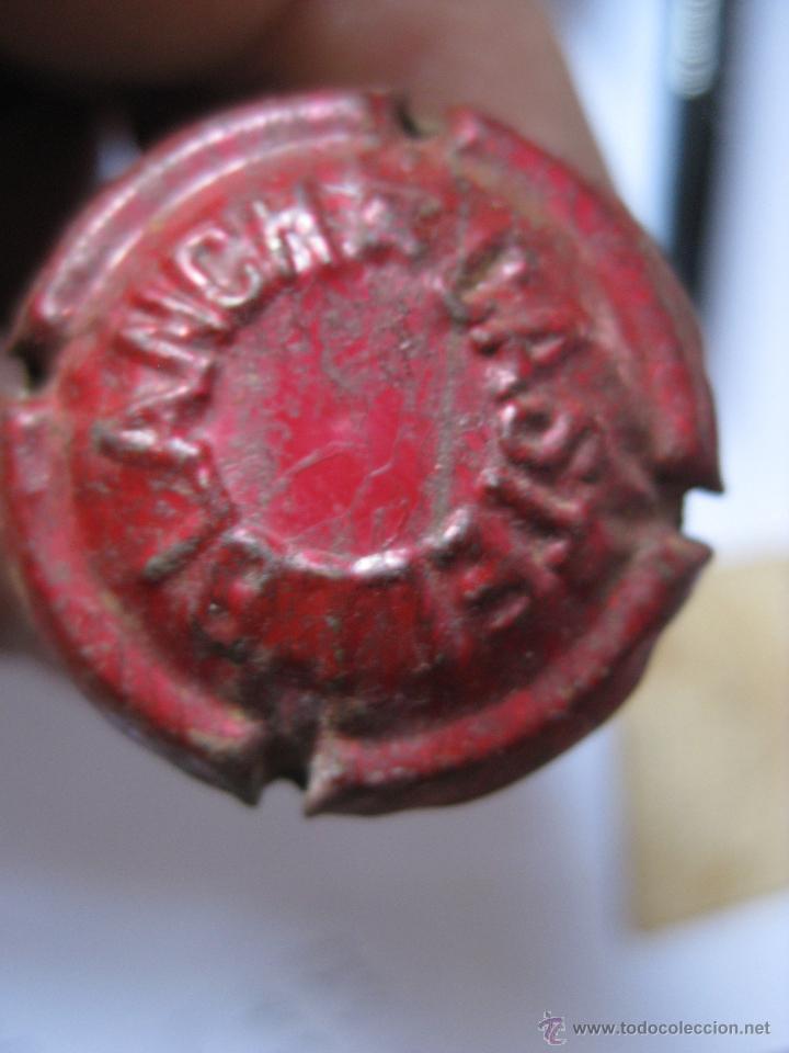 ENTALLADA CASTELLBLANCH EN COLOR ROJO CON CORCHO (Coleccionismo - Botellas y Bebidas - Cava)