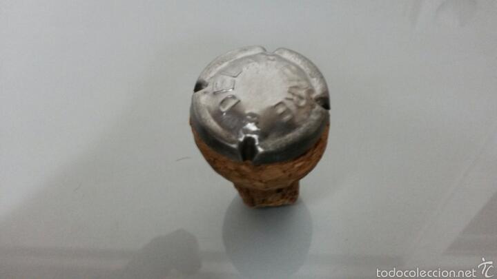 Coleccionismo de cava: PLACA DE CAVA DELAPIERRE EN TAPON DE CORCHO SIN HOYO PUNTO CON CRUZ LETRA GRANDE - Foto 2 - 58111601
