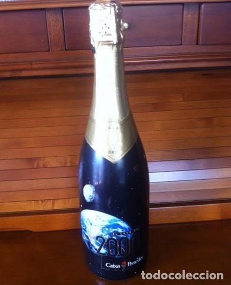 BOTELLA RESERVA ESPECIAL LLENA CAVA BRUT CHAMPAN EL CAVA DEL 2000 DE LA CAIXA PENEDES CON CHAPA (Coleccionismo - Botellas y Bebidas - Cava)