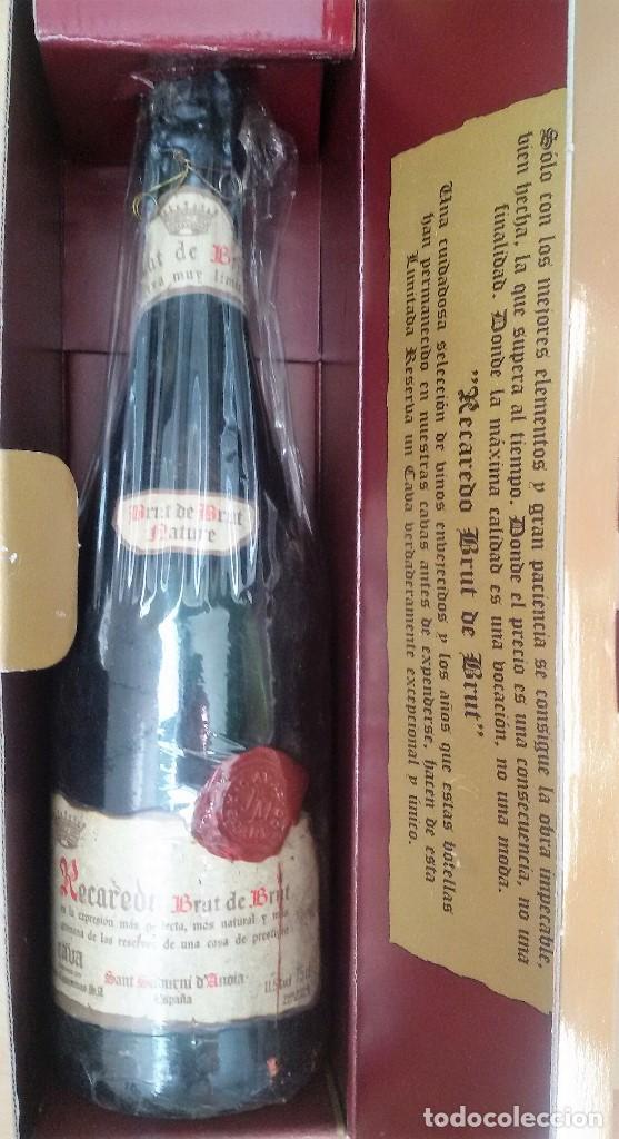 RESERVADA D*****T. BOTELLA DE CAVA DE ARTESANÍA RECAREDO. RESERVA MUY LIMITADA. EN SU CAJA ORIGINAL. (Coleccionismo - Botellas y Bebidas - Cava)