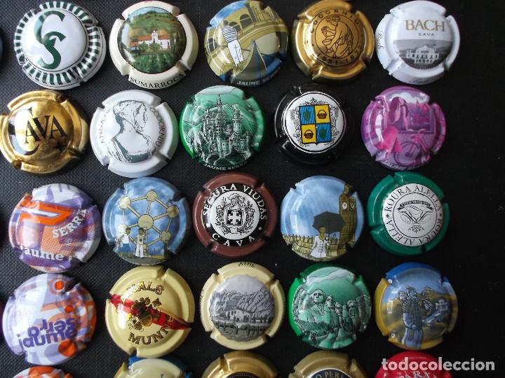 Coleccionismo de cava: conjunto de 49 chapas de cava diversas epocas y variedad de marcas ver fotos lote 3 - Foto 5 - 167112552