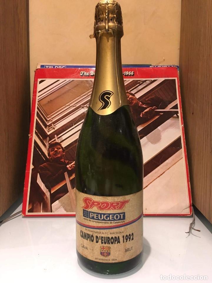 BOTELLA CAVA BRUT DE SPORT HOMENAJE AL F.C BARCELONA CAMPEÓN DE EUROPA 1992 (Coleccionismo - Botellas y Bebidas - Cava)