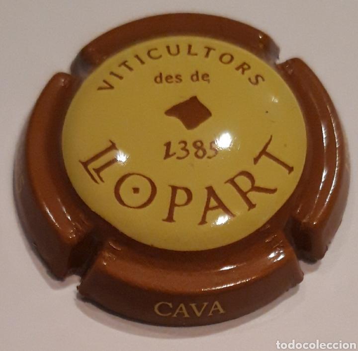 PLACA DE CAVA LLOPART MARRÓN CON CENTRO AMARILLO (Coleccionismo - Botellas y Bebidas - Cava)