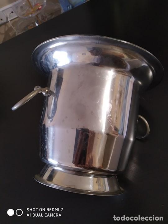 Coleccionismo de cava: clasica cubitera hielo para vino, cava, acero, calidad, vintage, correcta - Foto 3 - 217879203