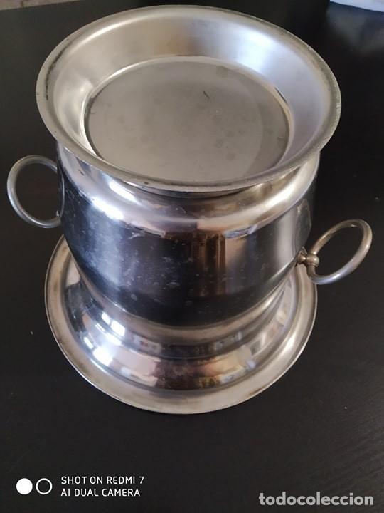 Coleccionismo de cava: clasica cubitera hielo para vino, cava, acero, calidad, vintage, correcta - Foto 4 - 217879203