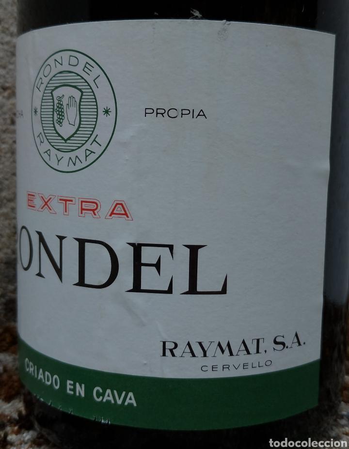 Coleccionismo de cava: Cava Rondel Extra Botella Antigua con Placa Verde - Foto 3 - 219728482