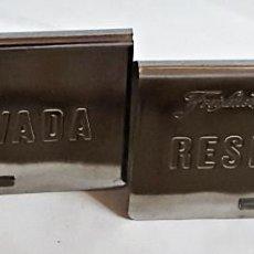 Coleccionismo de cava: 2 PLACAS DE RESERVADO DE METAL FREIXENET.. Lote 239693385