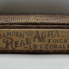 Coleccionismo de cava: CAJA ANTIGUA DE MIMBRE DE CHAMPAN REAL AGRADO. FINCA LOS CORALES.. Lote 262865070