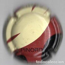 Coleccionismo de cava: CHAPA / PLACA - PINORD - AGUJA / AGULLA - COLORES CREMA / ROJO / NEGRO. Lote 294111663