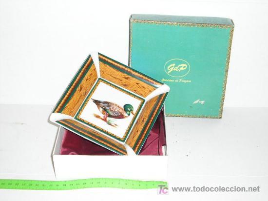 CENICERO DE PORCELANA ITALIANA (Coleccionismo - Objetos para Fumar - Ceniceros)