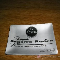 Ceniceros: **ANTIGUO CENICERO DE METAL (JOAQUIN SEGARRA ROVIRA) FABRICA DE CALZADOS. VALL DE UXO.--LA ROVIRA--. Lote 5469482