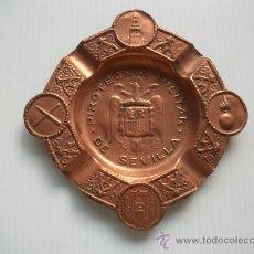 Cinzeiros: CENICERO DE LA PIROTECNIA MILITAR DE SEVILLA, CON AGUILA DE SAN JUAN. EPOCA DEL GENERALISIMO.. Lote 26658755