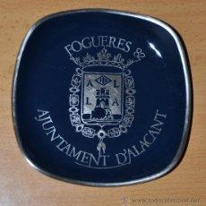 Ceniceros: PEQUEÑO CENICERO DE LAS FOGUERES DEL 82 - AYUNTAMIENTO DE ALICANTE - 1982 - MUY BIEN CONSERVADO. Lote 26313156