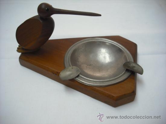 CURIOSO CENICERO DE MADERA CON PAJARO PICUDO (EL COLILLERO ES DE ACERO) (Coleccionismo - Objetos para Fumar - Ceniceros)