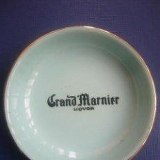 Ceniceros: CENICERO ESMALTADO PLAATILLO GRAND MARNIER LICOR 10 CTMS CERAMICA MOLINO DES LOUPS FRANCE . Lote 30746870