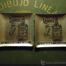 Ceniceros: ANTIGUA PAREJA DE CENICEROS ALUMINIO CON PUBLICIDAD LARIOS GINEBRA SECA MALAGA. Lote 36704799
