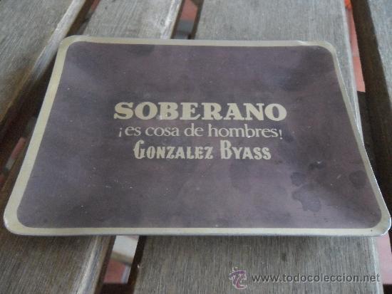 CENICERO EN ALUMINIO SOBERANO ES COSA DE HOMBRES GONZALEZ BYASS (Coleccionismo - Objetos para Fumar - Ceniceros)