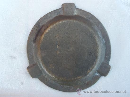 Ceniceros: CENICERO DE BRONCE CON UNA ENORME LLAVE DE PASO. - Foto 4 - 37590993