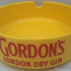 Ceniceros: CENICERO PUBLICIDAD - GORDON'S - LONDON DRY GIN -MATERIAL CERAMICA - 15 CMS. -. Lote 39486917