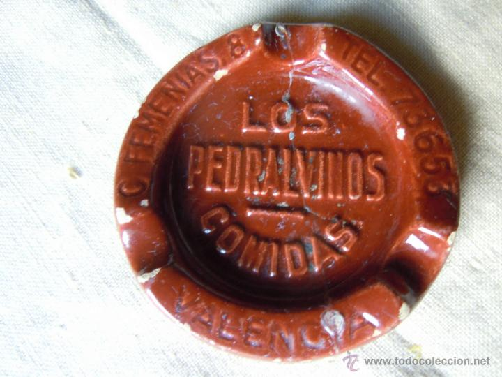 CENICERO PUBLICITARIO DE BARRO DE LOS PEDRALVINOS COMIDAS DE VALENCIA (Coleccionismo - Objetos para Fumar - Ceniceros)