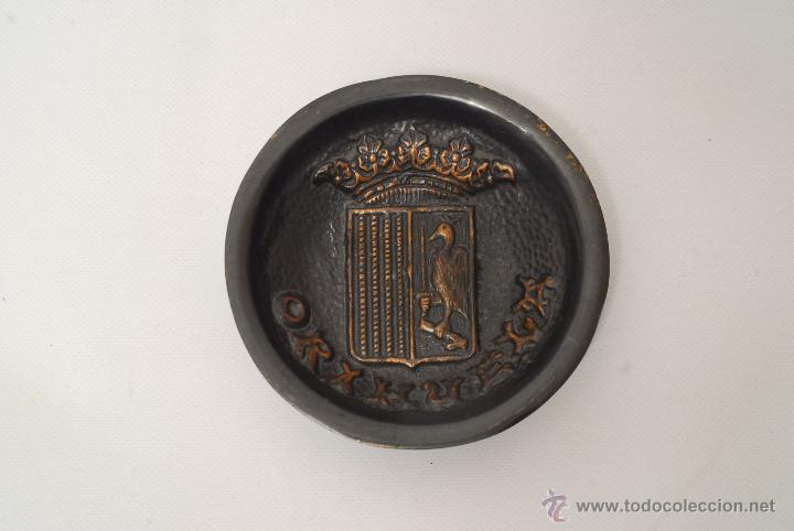 CENICERO METÁLICO DE ORIHUELA (ALICANTE). (Coleccionismo - Objetos para Fumar - Ceniceros)
