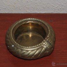Ceniceros: CENICERO DE METAL - AÑOS 60-70. Lote 52484096