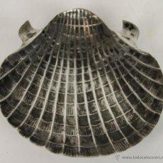 Ceniceros: CENICERO EN FORMA DE CONCHA EN METAL PLATEADO. SIGLO XIX.. Lote 51556276