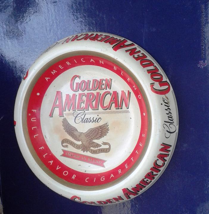 BONITO CENICERO METALICO CIGARETTES GOLDEN AMERICAN (Coleccionismo - Objetos para Fumar - Ceniceros)