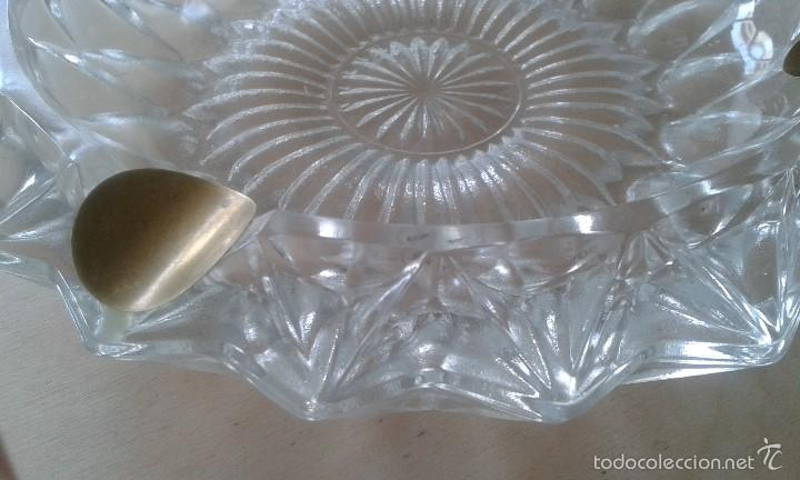Ceniceros: -- ITALIA -- Precioso cenicero de cristal con reposacigarrillos de metal dorado - Foto 4 - 57088572