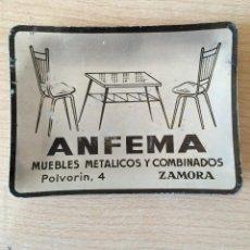 Ceniceros: CENICERO ANTIGUO CON PIBLICIDAD DE MUEBLES ANFEMA ZAMORA AÑOS 60. Lote 57299536