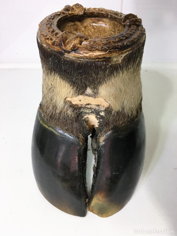 CENICERO HECHO DE UNA PEZUÑA DE VACA (O DE OTROS ANIMALES ) (Coleccionismo - Objetos para Fumar - Ceniceros)