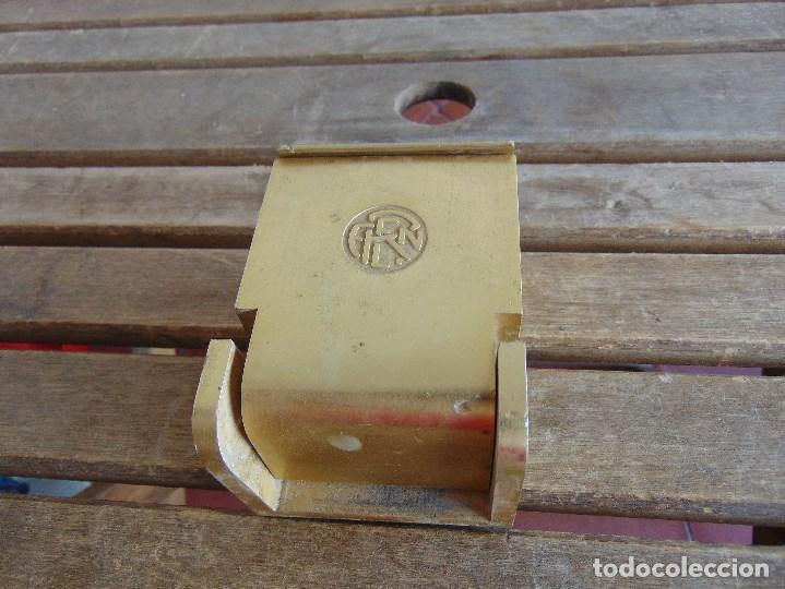 CENICERO DE VAGON DE TREN FERROCARRIL RENFE (Coleccionismo - Objetos para Fumar - Ceniceros)