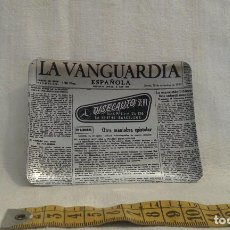Ceniceros: CENICERO METAL PUBLICIDAD LA VANGUARDIA. Lote 84660808