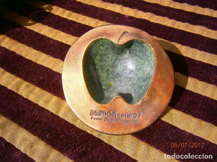 Ceniceros: Cenicero o pisapapeles publicidad marca simon - Foto 2 - 92324960