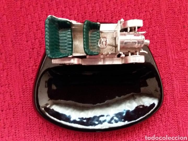 CENICERO CON COCHE (Coleccionismo - Objetos para Fumar - Ceniceros)