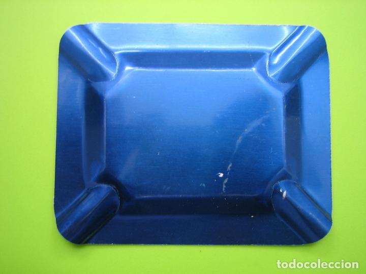 Ceniceros: Antiguo Cenicero publicitario en aluminio. Finanzaauto S.A. Distribuidores Pegaso. M 10x8 cm - Foto 2 - 114306627