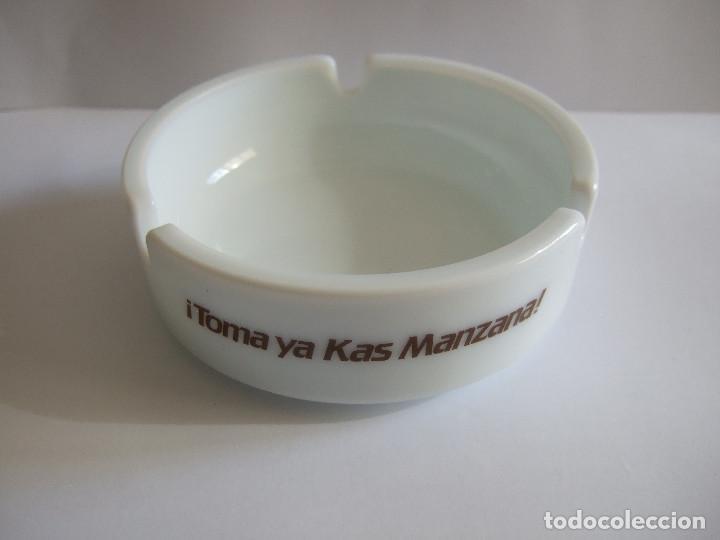CENICERO PUBLICIDAD TOMA YA KAS MANZANA - 10,5 CM DIAMETRO (Coleccionismo - Objetos para Fumar - Ceniceros)