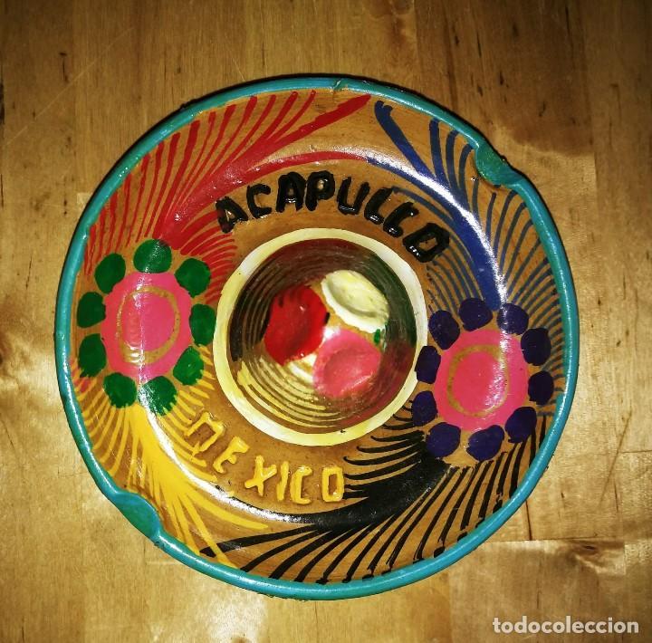 Cenicero de barro pintado a mano con esmalte forma de sombrero mejicano Acapulco Mexico Mejico 90