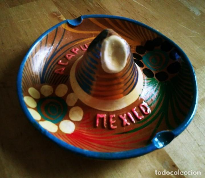 Ceniceros: Cenicero de barro pintado a mano con esmalte forma de sombrero mejicano Acapulco Mexico Mejico 90 - Foto 2 - 119462339