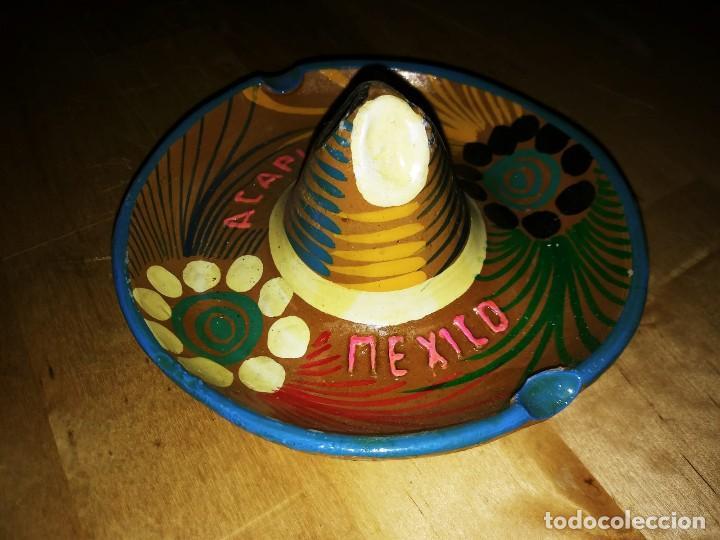 Ceniceros: Cenicero de barro pintado a mano con esmalte forma de sombrero mejicano Acapulco Mexico Mejico 90 - Foto 5 - 119462339
