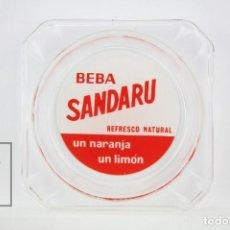 Ceniceros: CENICERO DE VIDRIO PUBLICITARIO - BEBA SANDARU REFRESCO NATURAL - MEDIDAS 9 X 9 CM. Lote 125400107