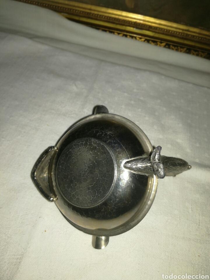 Ceniceros: Cenicero de metal con forma de cisne - Foto 3 - 130359235